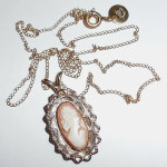 Vintage Retro 14k Gold Filled Shell Cameo Pendant Necklace