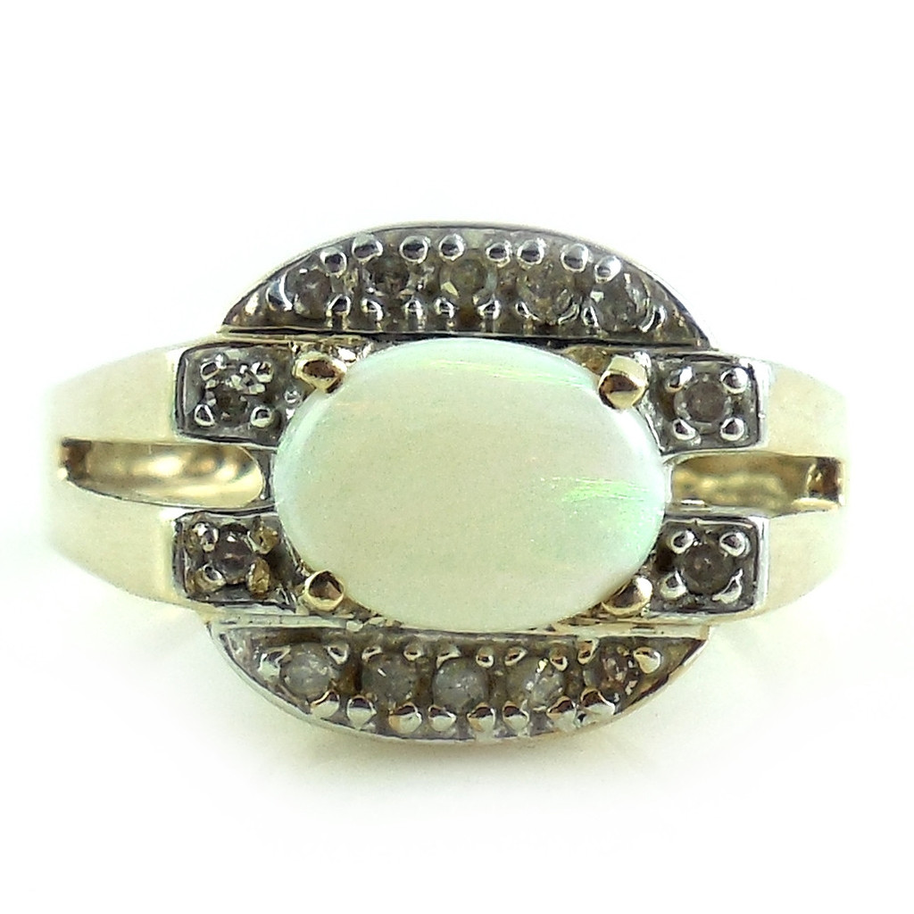 Well Made 10k Yellow Gold .9 Ct Opal And Diamond Ring Size 7 1/4 7.25