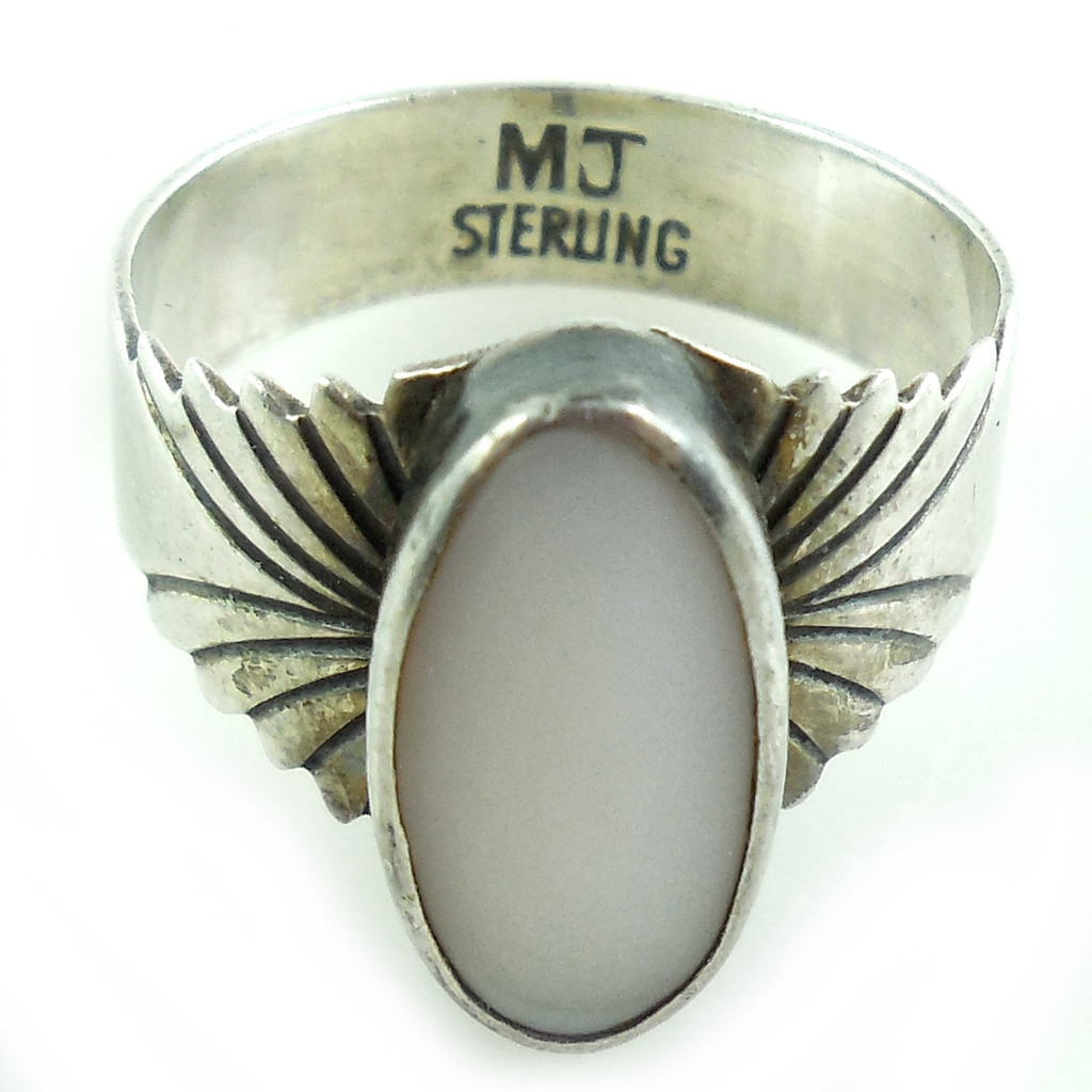 Vintage Southwestern Hand Tooled Sterling Silver Shell Ring Size 7.5