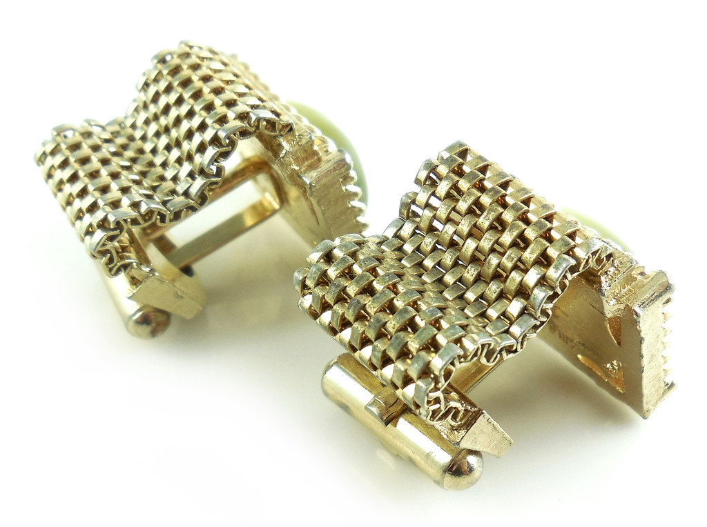Vintage Gold Mesh Wrap Mens Cufflinks With Green Thermoset