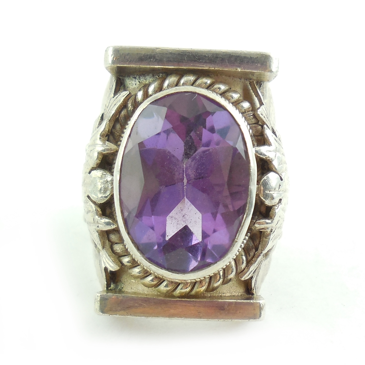 Big Heavy Vintage Hand Made Sterling Silver 17m Amethyst Ring Size 9