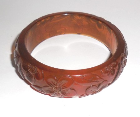Translucent Honey Carved Molded Buttercup Pansy Flower  Vintage Lucite Bangle Bracelet  Plastic