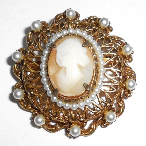 Vintage Florenza Natural Shell Cameo Pendant And Pin Original Tag Never Used
