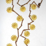 1960s Vintage 32 Inch Metal Daisy Dangles Necklace